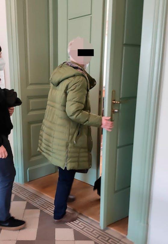 Die angeklagte Mutter am Landesgericht Wr. Neustadt