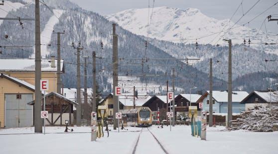 Mariazeller Bahn in winterlicher Landschaft. Archivbild, 2019