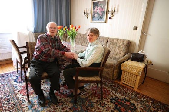 Johann (87) und Erna K. (81) wurden am Telefon bei 1450 abgewiesen.