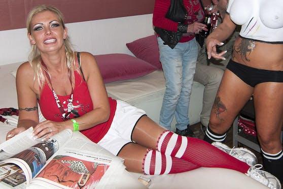 """Vivian Schmitt beim """"Sexy Soccer Cup"""""""