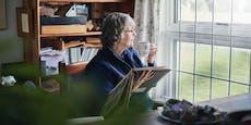 Jeder Dritte ab 65 Jahren lebt allein