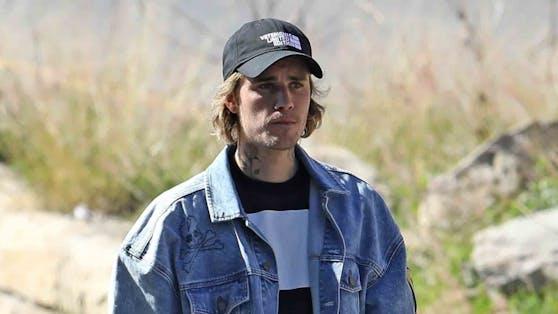 Justin Bieber stattete den Insassen eines Gefängnisses einen Besuch ab, um mit ihnen über Glaubensfragen zu diskutieren.