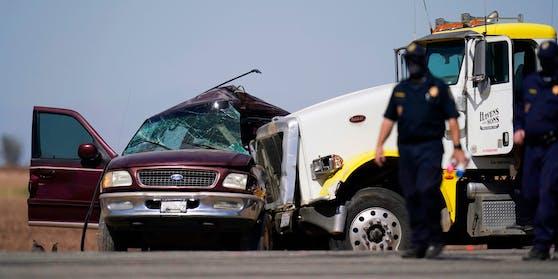 Bei dem Unfall sind mindestens 15 Menschen ums Leben gekommen.