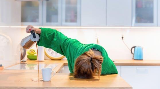 Ständige Müdigkeit kann mehrere Ursachen haben, sollte aber unbedingt abgeklärt werden.