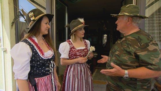 ATV-Promi Karl Berger begrüßt zum Staffel-Auftakt gleich zwei Schönheiten aus der Ukraine bei sich in Niederösterreich.