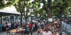 Steyr erlässt Gastgartengebühr, Linz und Wels zögern