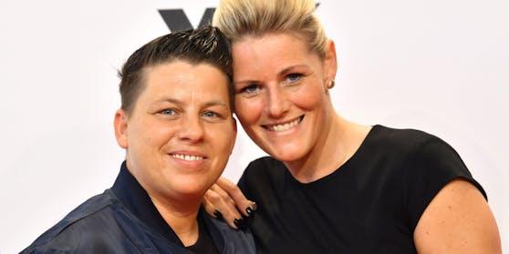Schlagersängerin Kerstin Ott ist seit neun Jahren mit Karolina zusammen, 2017 folgte die Hochzeit.