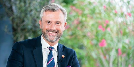 Anlässlich seines 50. Geburtstages würdigt die FPÖ Parteichef mit einem Clip. Das Bild zeigt Hofer im Zuge der ORF-Sommergespräche aus dem Jahr 2020.