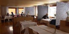Erstes Lokal in Österreich zieht Corona-Trennwände auf