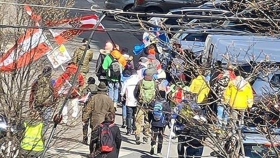 Die Demonstranten ziehen auch durch den 5. Wiener Bezirk.