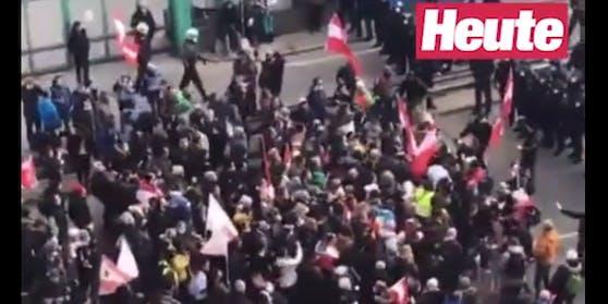Corona-Demo am 20. März kurz vor dem Matzleinsdorfer Platz