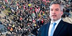 """""""Holocaust-Leugner"""" – Das sagt Nehammer zu Corona-Demo"""