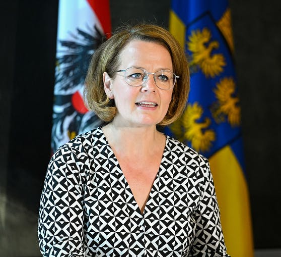 Christiane Teschl-Hofmeister