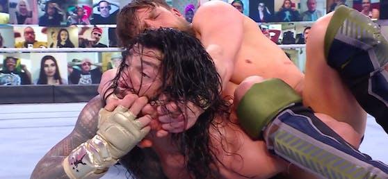 Daniel Bryan gegen Roman Reigns
