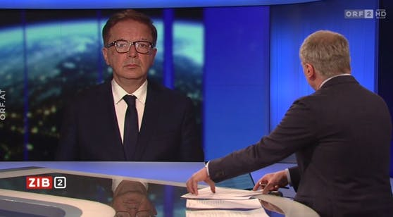 """Gesundheitsminister Rudi Anschober (Grüne) in der """"ZiB2""""."""