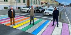 Zebrastreifen in Favoriten strahlt in Regenbogen-Farben