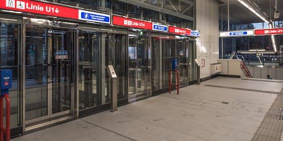 Ein Aufzug zur U-Bahnlinie U1.