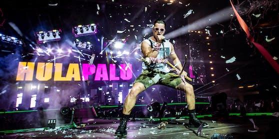 Das Volks-Rock'n'Roller Fan-Festival ist als eines der größten Open-Air-Konzerte in der deutschsprachigen Eventgeschichte DIE große Sensation und das Highlight von Andreas Gabalier 2022.