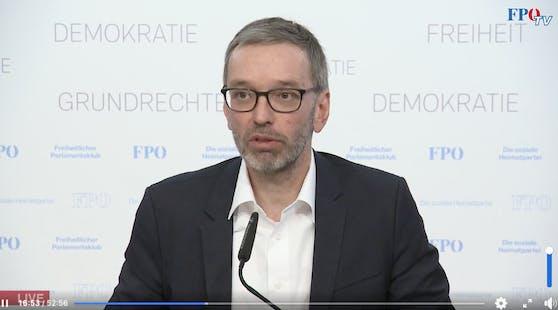 Herbert Kickl sprach in einer Pressekonferenz über Manfred Haimbuchners Erkrankung.