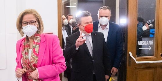 Die Landeshauptleute Johanna Mikl-Leitner (ÖVP), Michael Ludwig (SPÖ) und Hans Peter Doskozil (SPÖ)