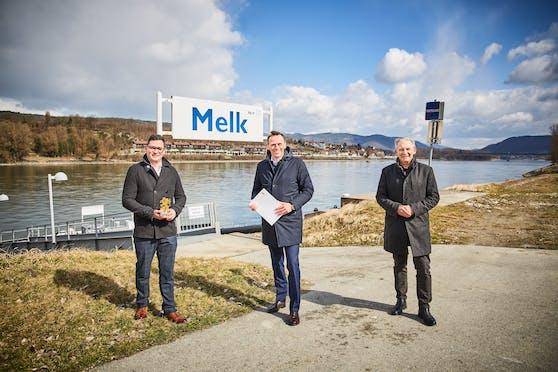 Bürgermeister Patrick Strobl, Tourismus-Landesrat Jochen Danninger und Vize Wolfgang Kaufmann.