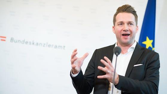 Handelsverbands-Obmann Rainer Will bei einer Pressekonferenz