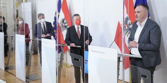 Gesundheitsminister Rudolf Anschober (Grüne), Bürgermeister Michael Ludwig (SPÖ), Landeshauptfrau Johanna Mikl-Leitner (ÖVP) und Landeshauptmann Hans Peter Doskozil (SPÖ)