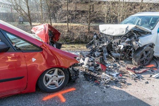 Schwerer Verkehrsunfall im Bezirk Neunkirchen