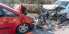 Frontalcrash forderte zwei Schwerverletzte
