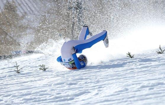 Der Norweger Daniel Andre Tande ist im Probedurchgang vor dem Skifliegen in Planica schwer gestürzt.