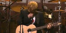 Ed Sheeran bricht auf der Bühne in Tränen aus
