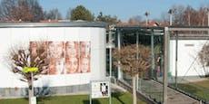 Psychoterror! Rüpel-Direktorin vom Dienst suspendiert