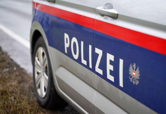 Ein Streifenwagen der Polizei. (Symbolbild)