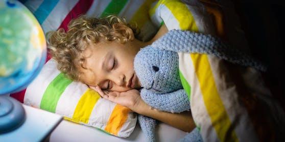 Kinder und Jugendliche schlafen wegen Corona schlechter.