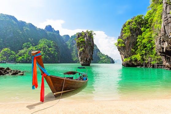 Berühmt aus einem James-Bond-Film: Der Drehort in der Phang Nga-Bucht liegt nahe der Insel Phuket.