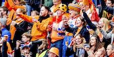 Ohne Maske, ohne Abstand – 5.000 Fans bei Holland-Match