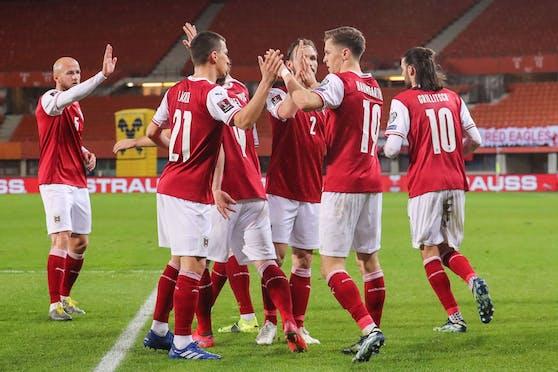 Das ÖFB-Team jubelt gegen die Färöer Inseln.
