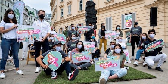 Gruppenfoto beim Wahlkampfauftakt der Grünalternativen Jugend für die Gemeinderatswahlen 2020