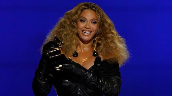 Beyoncé schrieb bei der diesjährigen Grammy-Verleihung Musikgeschichte. Mit 28 Trophäen ist sie die Künstlerin mit den meisten Auszeichnungen.