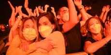 Test-Konzert: Barcelona lässt 5.000 ohne Abstand feiern