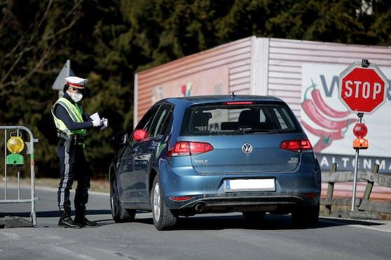 Im Bezirk Braunau könnte es schon bald Aus- und Einreisekontrollen geben.