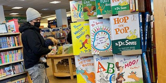 Die Bücher von Dr. Seuss gelten heute als nicht mehr tragbar.