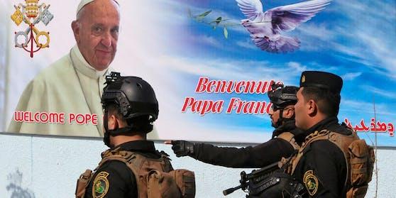 Die erste Station ist am Freitag die Hauptstadt Baghdad. Dort wird Franziskus vom irakischen Regierungschef und vom Präsidenten empfangen.
