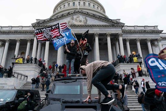 Trump-Anhänger stürmten am 6. Jänner 2021 das Kapitol in Washington: Es gab 5 Todesopfer.
