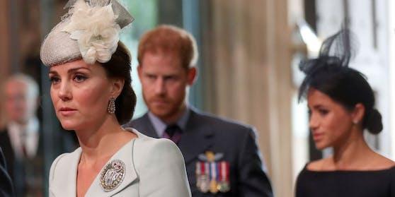 Zwischen Herzogin Catherine, Prinz Harry und Herzogin Meghan herrscht Funkstille. Dafür ergreift nun Catherines Onkel das Wort für seine Nichte.