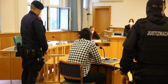 Der angeklagte Serbe vor Gericht.