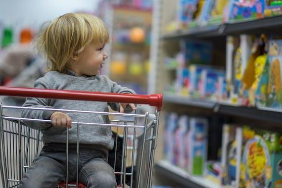 Ostern ist gerettet, die Supermärkte werden weiterhin auch Spielwaren und Elektrogeräte anbieten.
