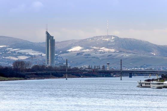 Winterliches Wien: Neue Donau und Kahlenberg. Archivbild