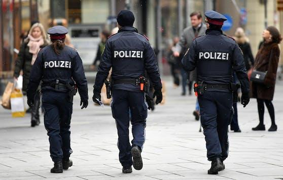 Mehr Schwerpunkt-Kontrolle der Polizei: Aufgrund steigender Corona-Zahlen werden die Maßnahmen wieder verschärft.