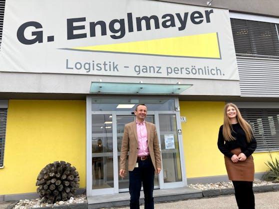 Pamela Gorinjac und Michael Ettinger vor der Firmenzentrale.